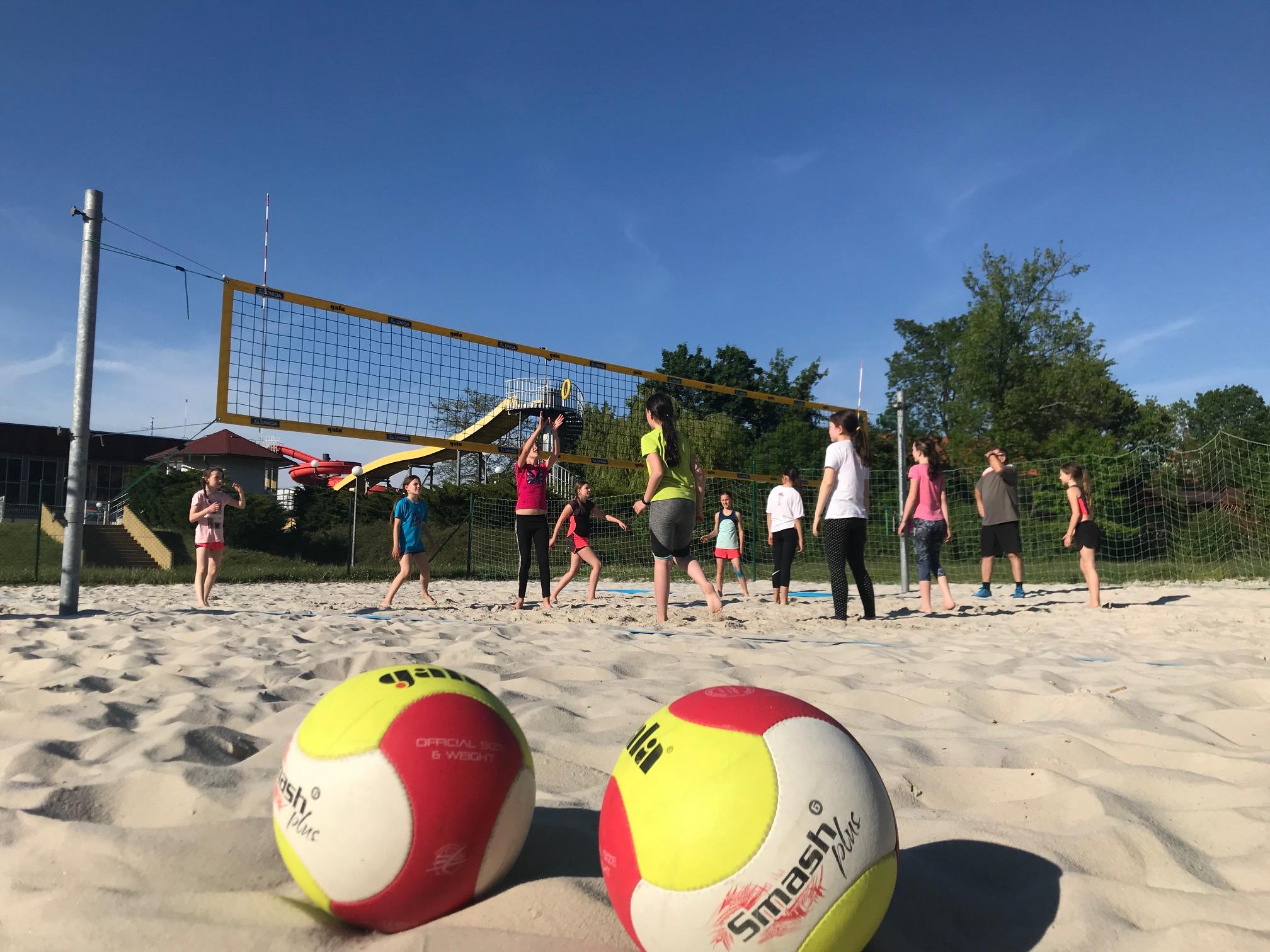Dnes hrálo mini na písku