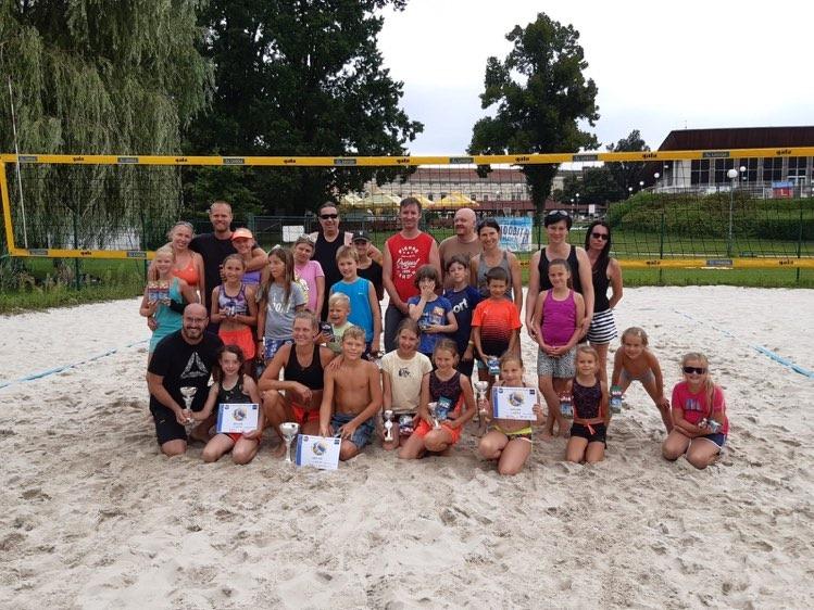 Soustředko v sobotu končilo dvěma turnaji – na písku a na antuce.